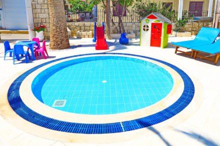 Kids Pool | Maria Rousse Malia Crete